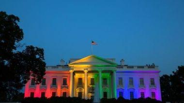 Casa-Blanca-ilumina-bandera-arcoiris_TINIMA20150627_0004_5